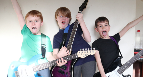 Kids guitar clubs